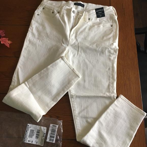 🛍NWOT - J Crew women's white denim jeans